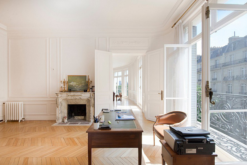A Classic Apartment in Paris